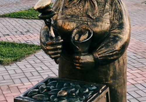 Памятник Орскому пирожку