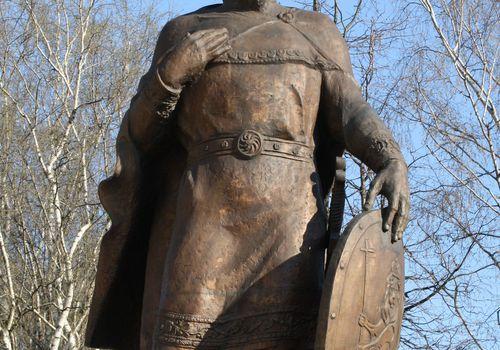 Памятник Александру...