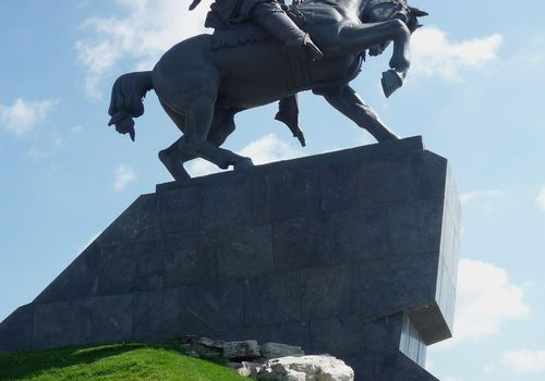 Monumentto SalavatYu...