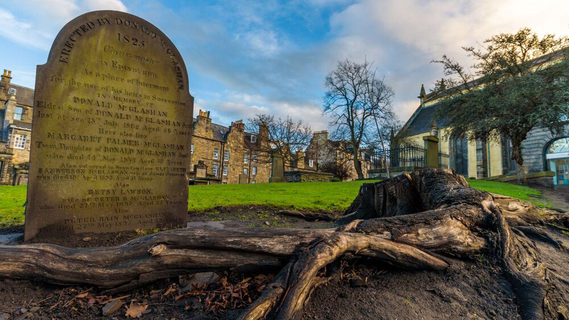 Edinburgh: Darkside Horror Walking Audio Tour