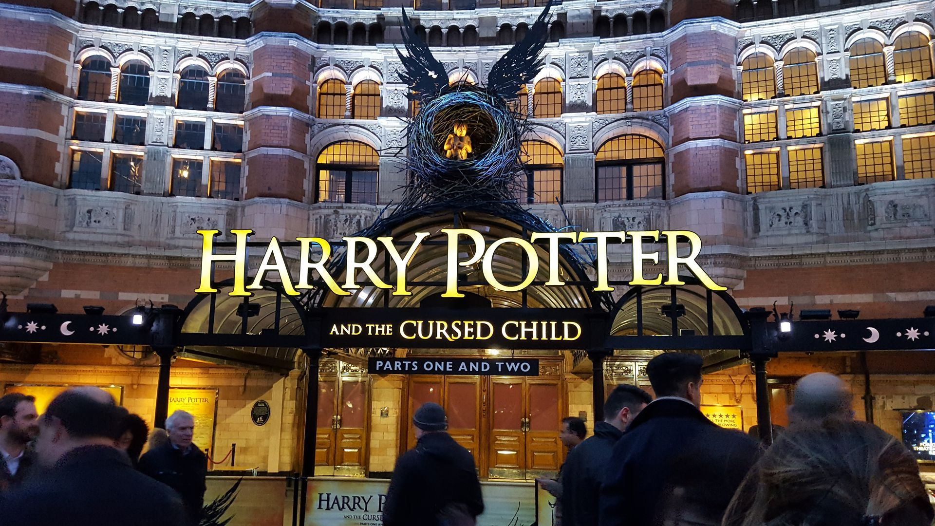 Harry Potter Themed Quest Tour of London & Audio Guide