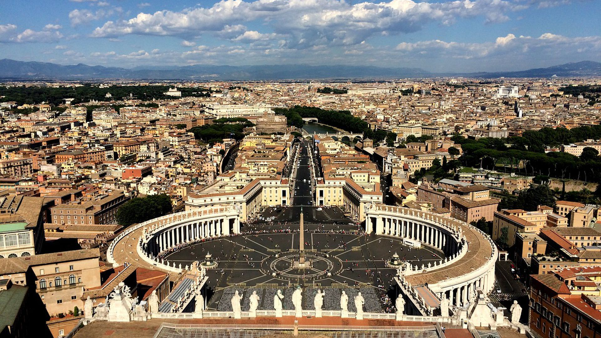 Saint Peter Basilica: discover the largest catholic church all over the world & Audio Guide