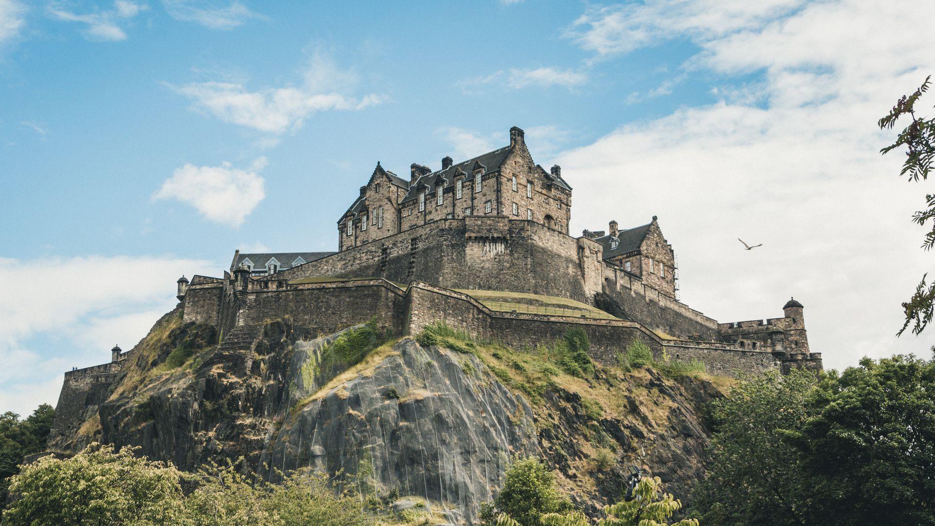 Edinburgh Castle: Hunt for Stone of Destiny