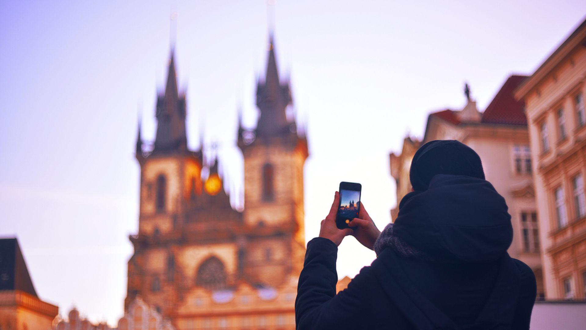 Prague Old Town & Jewish Quarter: Walking Tour with Audio Guide